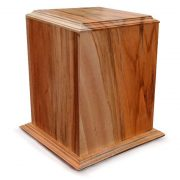 Chestnut wood urn